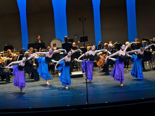 CCM Modern Dance ensemble with the Cincinnati Chamber