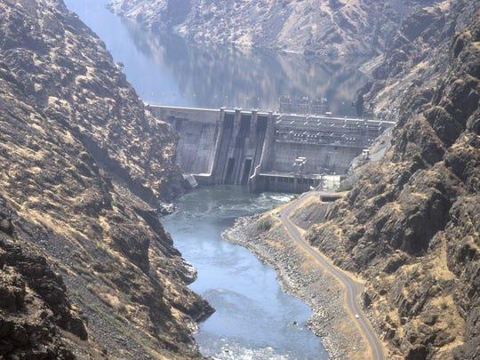 Hells Canyon Dam .