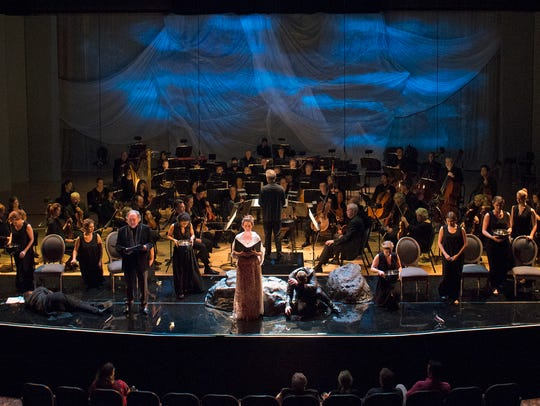 "The CSO's ""Pelleas Project"" had atmospheric lighting,"
