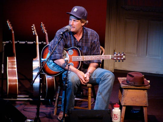Jeff Daniels will do seven Onstage & Unplugged shows