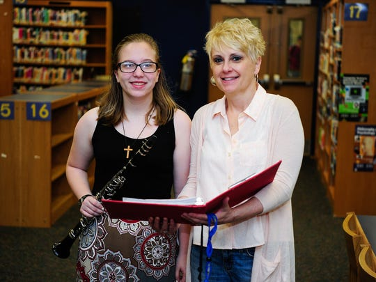 Student Elizabeth Hickok, left, and Mentor Molly Masser