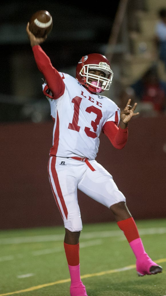 Lee quarterback Shaquille Johnson throws against Prattville