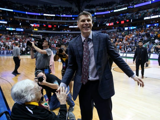 Loyola-Chicago Ramblers head coach Porter Moser reacts