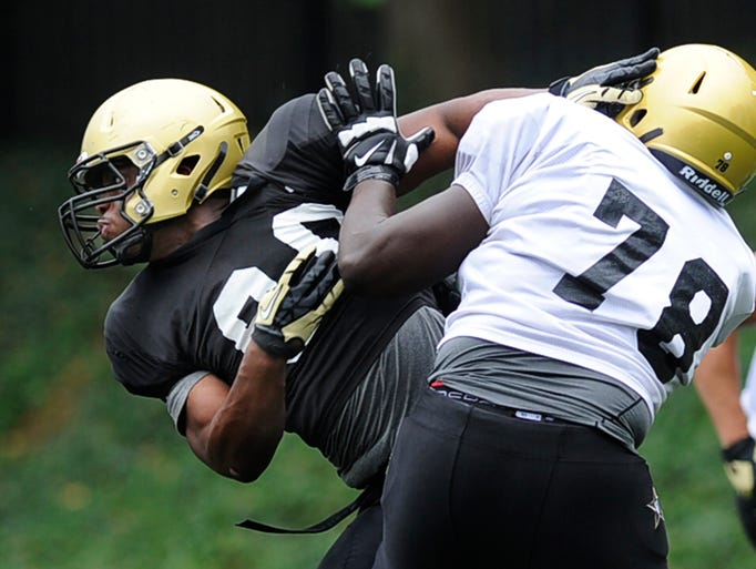 Sekou Clark (90) at Vanderbilt football practice Tuesday.