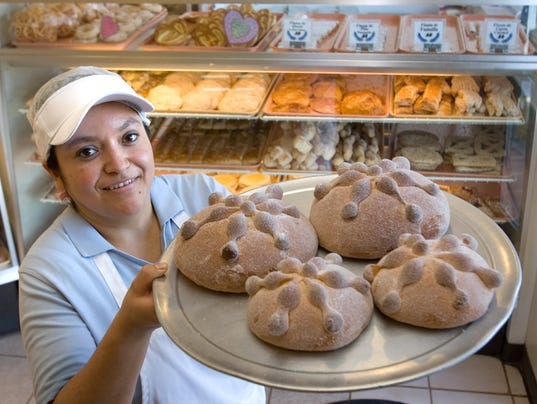 147864.gl-20cupcake-4  Irma Arellano  La Purisima Bakery
