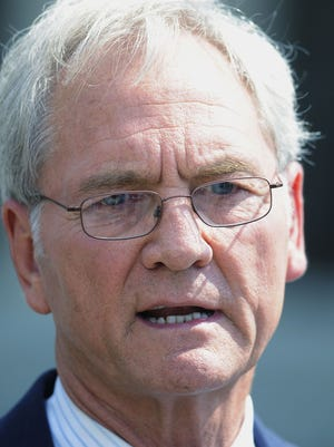 Former Gov. Don Siegelman wrote in the message that his earliest possible release date is Feb. 8.