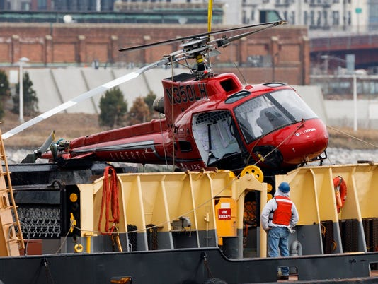 EPA USA NEW YORK HELICOPTER CRASH FOLLOW UP DIS TRANSPORT ACCIDENT USA NY