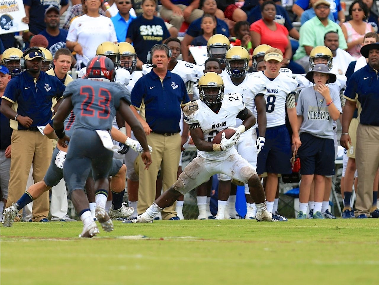 Spartanburg running back Tavien Feaster was too much for Wakulla too handle Saturday. Feaster feasted, especially in the passing game with over 100 yards receiving while scoring three touchdowns.