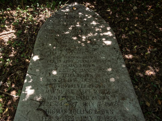 A memorial plaque at Brown Plantation Cemetery, where Revolutionary War patriot Thomas Brown is buried, is shown on Wednesday, Jun. 29, 2016 in Montgomery, Ala.