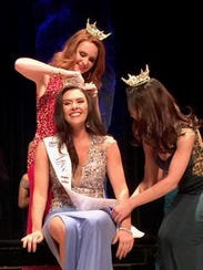 Crowning of Miss Harbor Cities 2017.