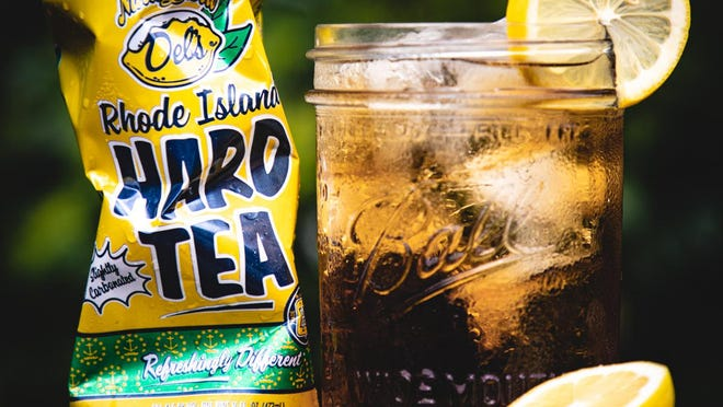 Del's Rhode Island Hard Tea is lightly carbonated and low alcohol.