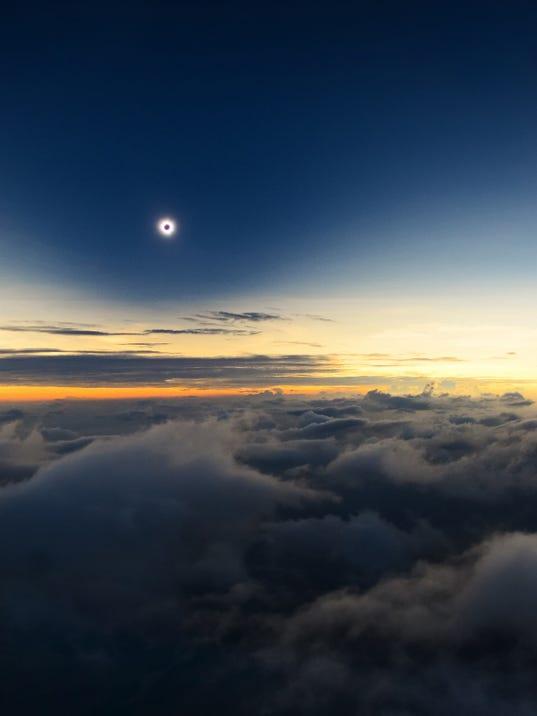 Solar eclipse 2017: Flights offer unobstructed ...