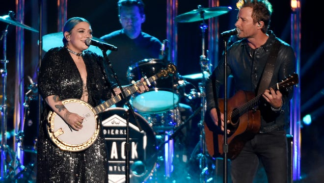 Dierks Bentley and Elle King perform at the 2016 CMT Music Awards Wednesday June 8, 2016 at Bridgestone Arena in Nashville, Tenn.