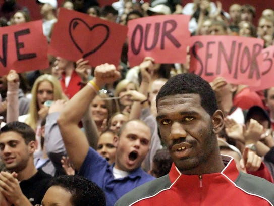 Greg Oden and other members of the team were honored