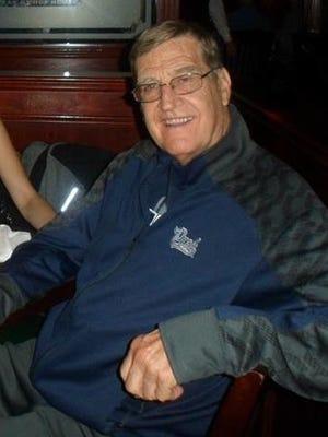 Former Carson basketball coach, teacher and adminitsrator Tom Andreasen died last week.
