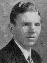 Emmett Lynch's Junior photo from the 1938 Georgetown