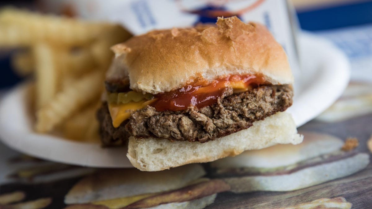 White Castle to serve carhop style on Valentine's Day, plus more food and dining news 1
