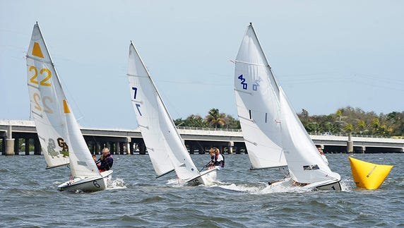 Club 420s race in the 2016 Steve Martin Memorial Regatta.