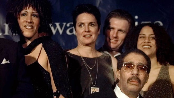 Richard Pryor, lower right, with (L-R) daughter Rain Pryor, wife Jennifer Lee, son-in-law Jerry Stordeur, and daughter Elizabeth Pryor at the Kennedy Center Oct. 20, 1998, when he received the Mark Twain Prize.