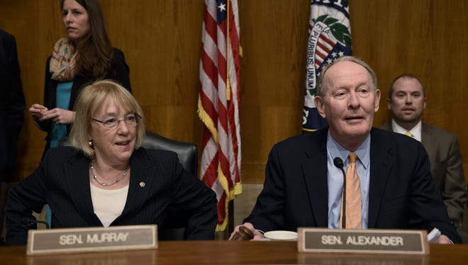 Senate Health, Education, Labor and Pensions Chairman Lamar Alexander, R-Tenn., right, and ranking member Patty Murray, D-Wash., hold a hearing on Jan. 21, 2015, about how to rewrite the No Child Left Behind education law.