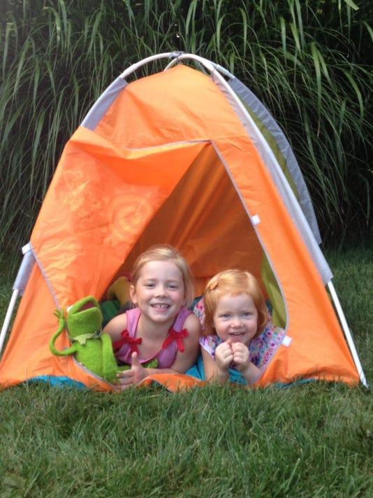 camping outdoor column
