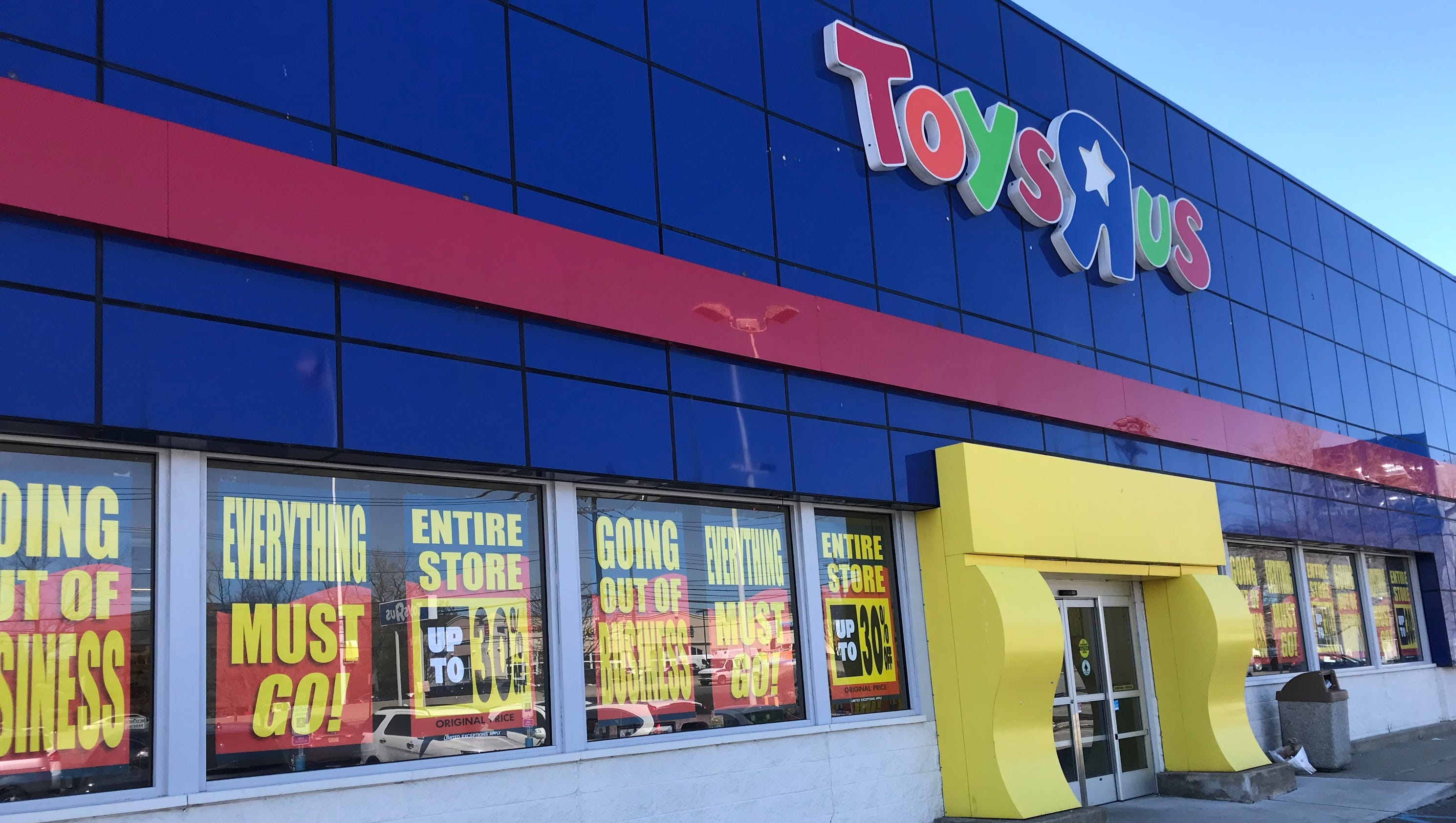 Toys R Us properties being auctioned bidders include Tar Aldi