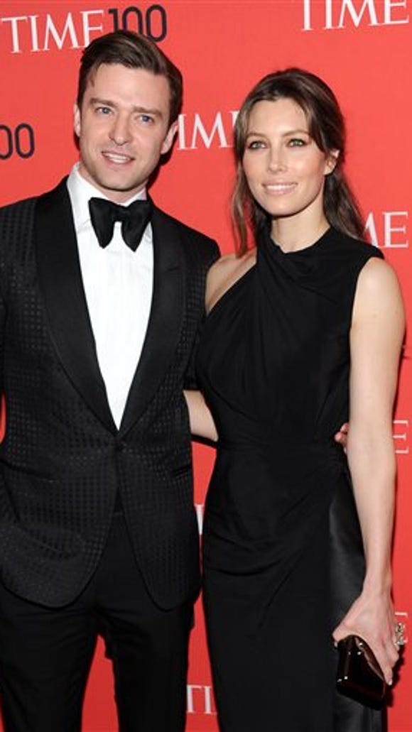 Actress Jessical Biel with her husband singer Justin Timberlake in 2013