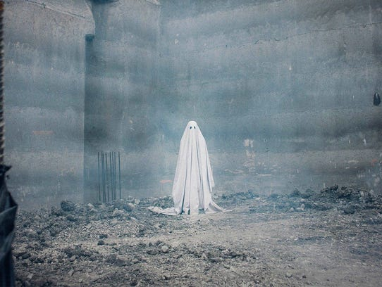 Casey Affleck comes back from the dead wearing a sheet