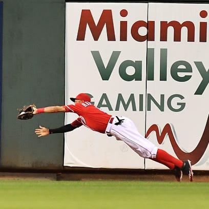 Billy Hamilton of the Cincinnati Reds makes a diving