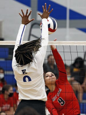Estacado's Zykeya Hunt (9) blocks a hit from Brownfield's Kamryn Martinez (9) during the season-opening match on Tuesday in Lubbock.