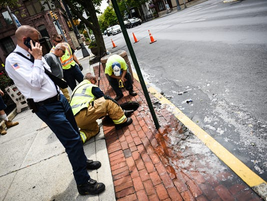2-LDN-JML-071217-sewage-leak