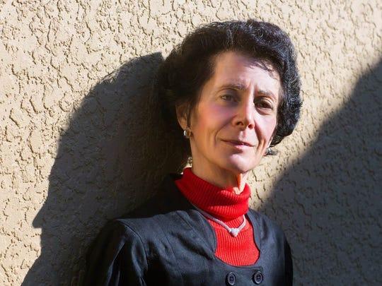 Author Deena Baxter