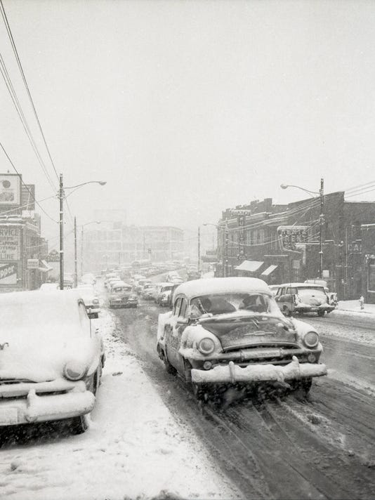 636543718794494648-Snow-and-cold-in-Feb.-1958-8-.jpg