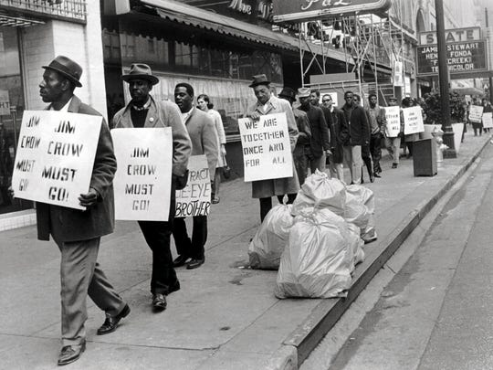 With stenciled signs, printed leaflets and daily marches, support for the strike became well organized. Daily marches began in February 1968 as did a boycott of businesses associated with downtown, City Council members or with the family of Mayor Henry Loeb. Marchers usually walked along Main Street from Clayborn Temple AME Church just south of Beale Street to Washington Avenue near City Hall.