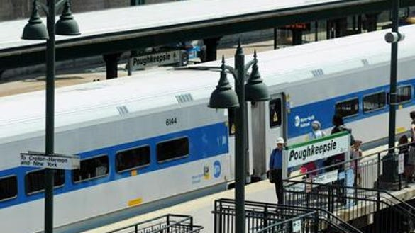 Exterior: Metro-North: E-tickets Available For Hudson Line, Coming