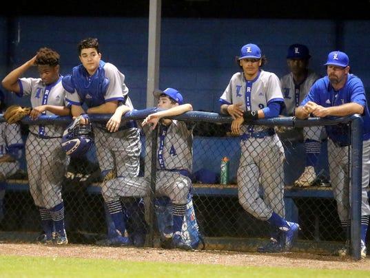 636283326404200294-016-Creek-vs-La-Vergne-baseball-extras.JPG