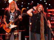 Lynyrd Skynyrd brings final tour to Sioux Falls