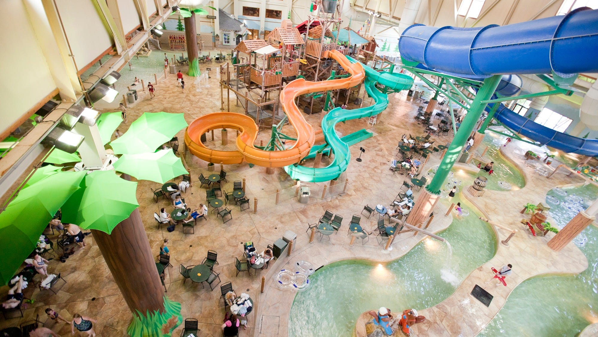 The 10Best Readers' Choice fourth-place finisher, Great Wolf Lodge in Williamsburg, Va., is also the only exclusively indoor water park to make the Top 10. Even in the heart of winter, this splash-filled space maintains a pleasant 84-degree temperature for a slice of summer all year long.