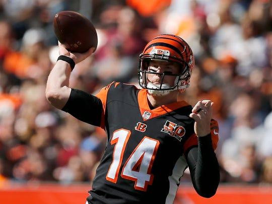 Cincinnati Bengals quarterback Andy Dalton (14) throws