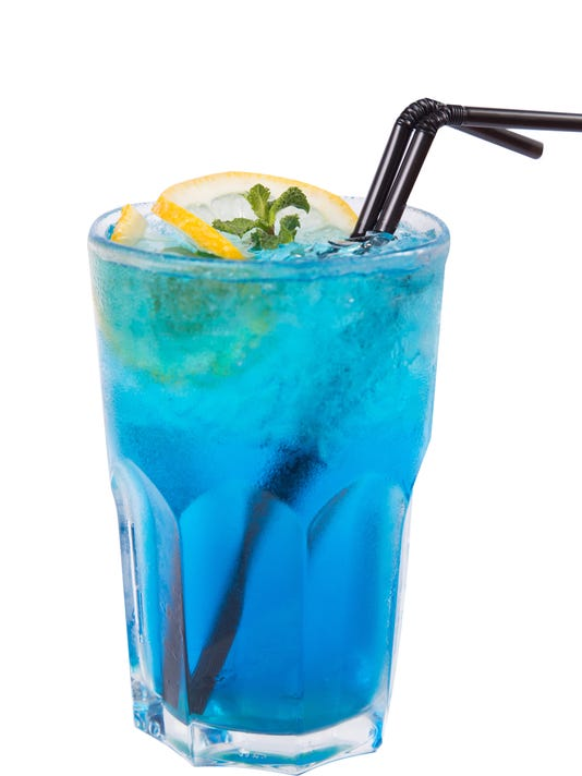 blue alcoholic cocktail