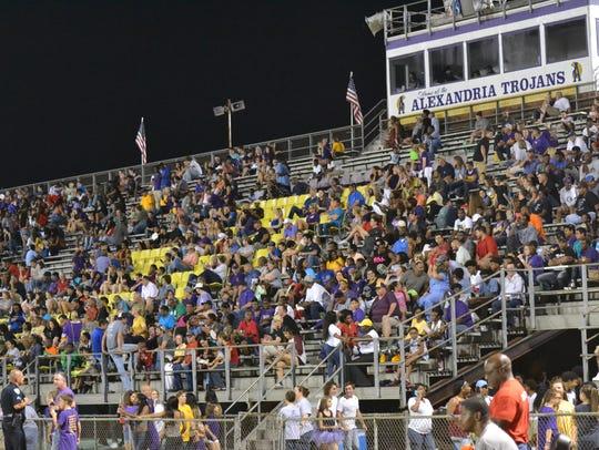A large crowd overlooks the Cenla Jamboree at Alexandria