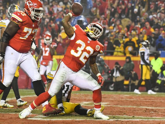 Kansas City Chiefs running back Spencer Ware (32) celebrates a touchdown during the fourth quarter against the Pittsburgh Steelers in the AFC Divisional playoff game at Arrowhead Stadium on Jan. 15.
