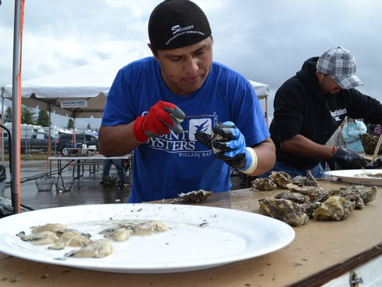 Gabriel Quintana from Goose Point Oysters competed