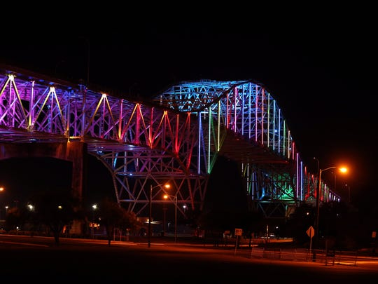 The Harbor Bridge plans to glow blue and green Nov.