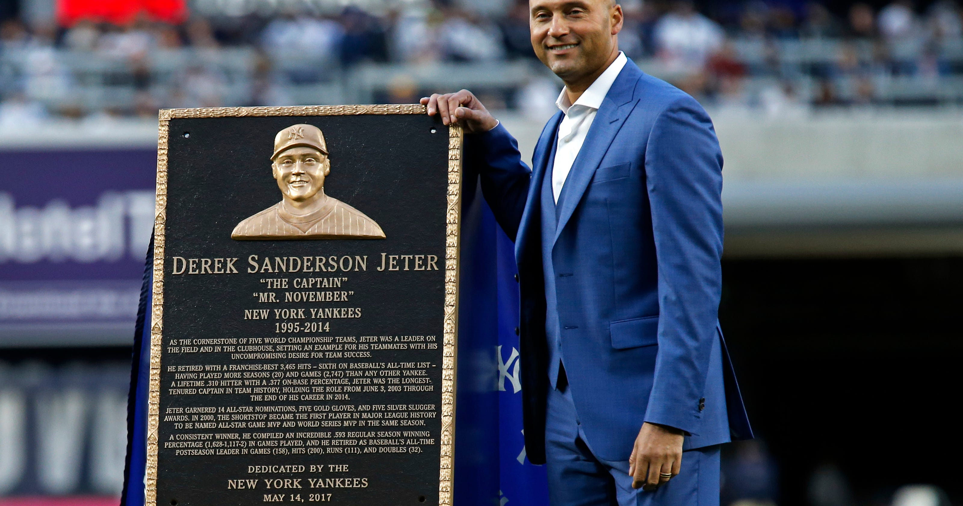 Klapisch  Stadium crowd chants Jeter s name one last time ded23f5a1641