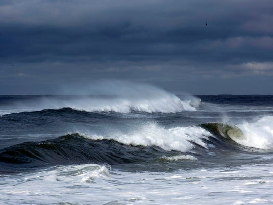 Winds and waves from subtropical storm Alberto kick