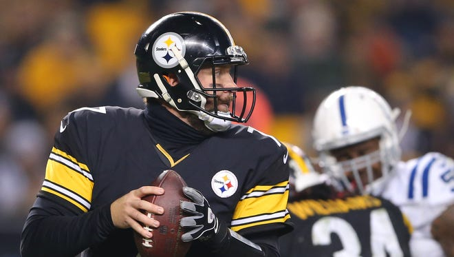 Pittsburgh Steelers quarterback Ben Roethlisberger (7) looks upfield for a receiver during the second half of an NFL football game Sunday, Dec. 6, 2015, at Heinz Field, in Pittsburg, Pa.
