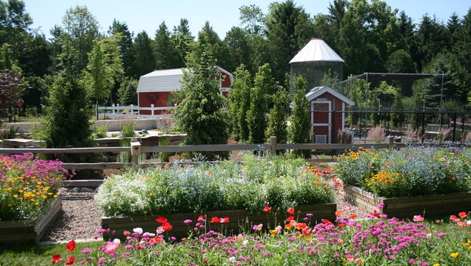 Christopher Farm and Gardens will host a fundraiser for Bookworm Gardens on Saturday
