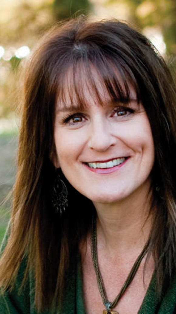 Shellie Tomlinson shares how to write with humor and other tips in a workshop Aug. 29 in Lake Providence.