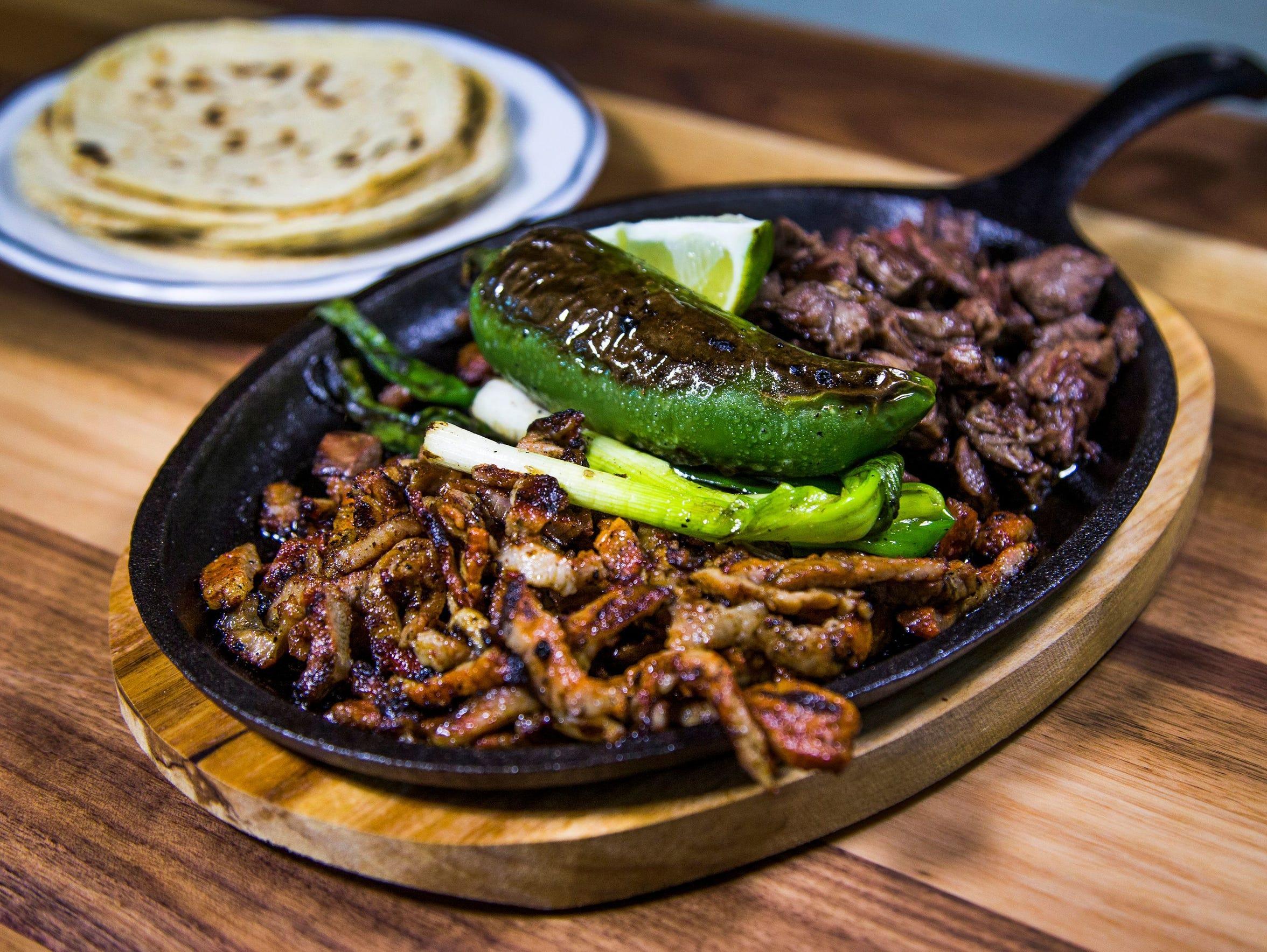 La Parillada carne asada al taspor from Gallo Blanco.